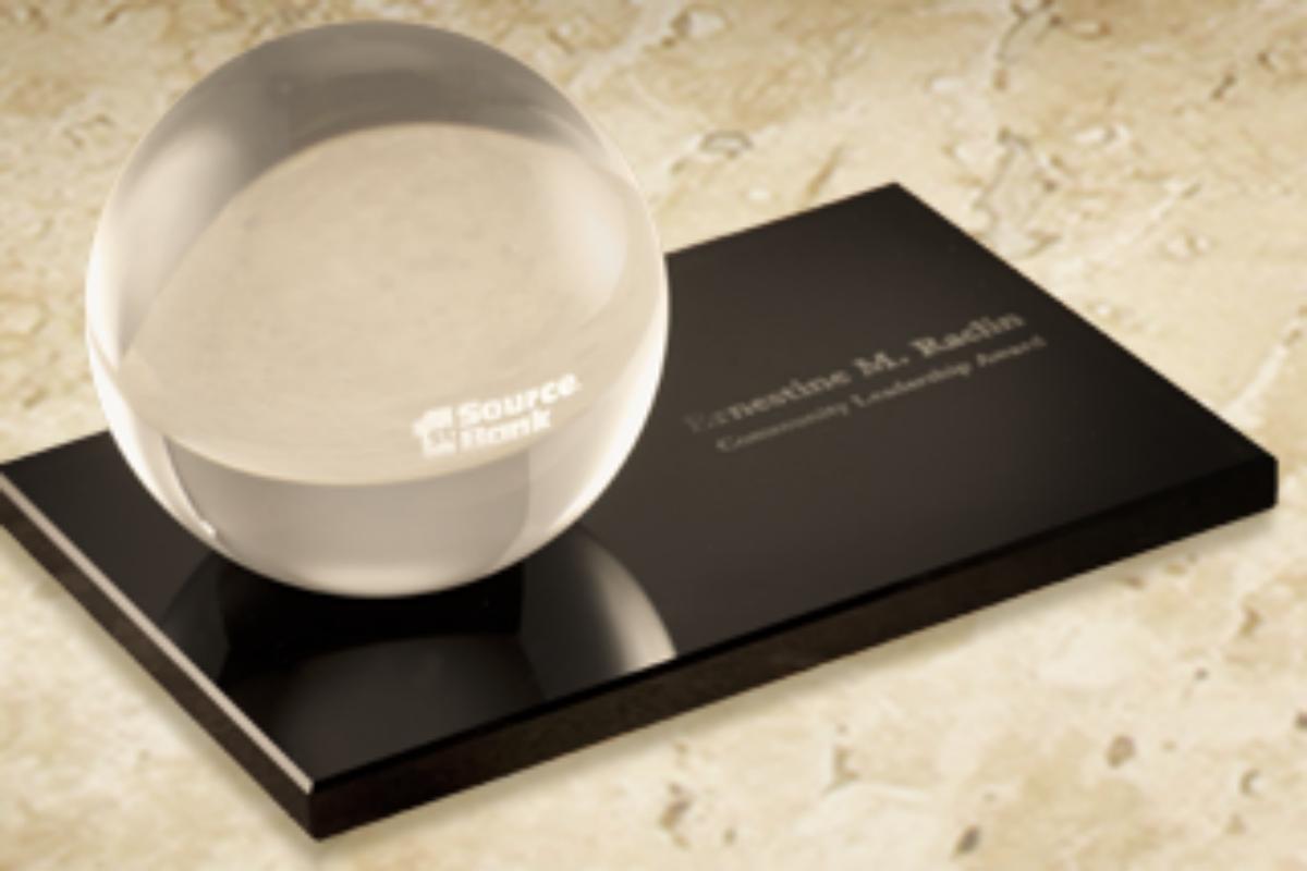 1st Source Bank Offers Community Leadership Award