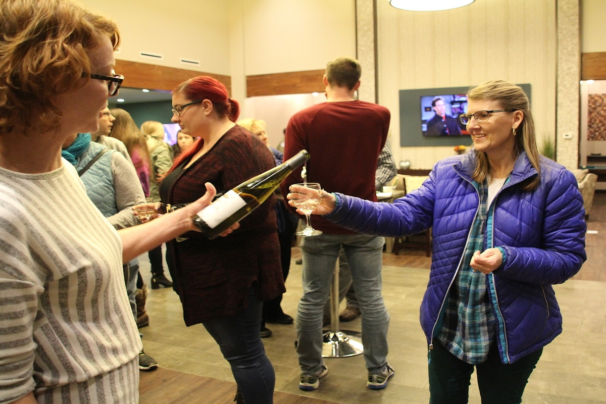 The Lakes of Valpo Host Fall Wine Tasting for Community