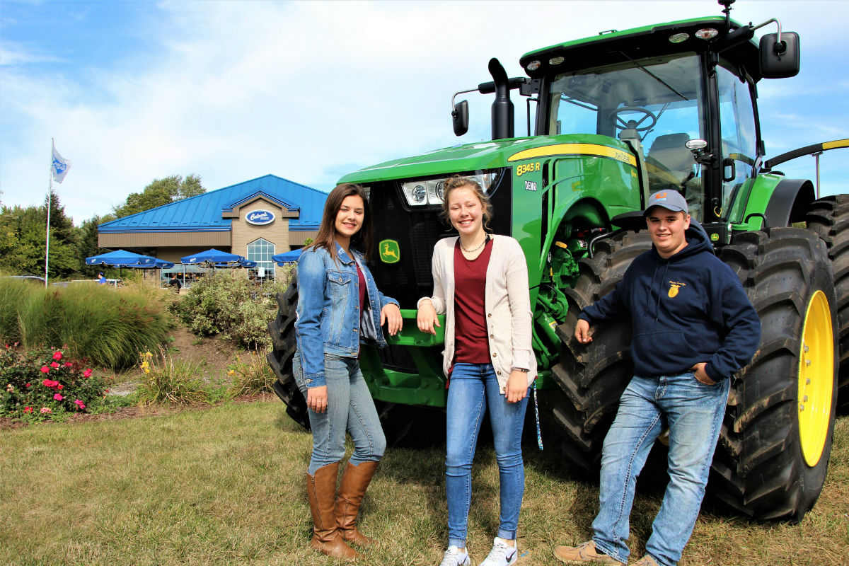 """Culver's of Valparaiso Welcomes 4-H Members, Local Farmers to """"Thank a Farmer Day"""""""