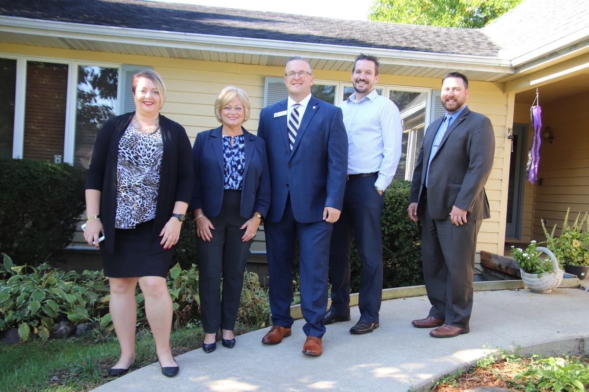 First Merchants Bank Employees Donate Commercial Washer & Dryer to Opportunity Enterprises' Porter County Respite House