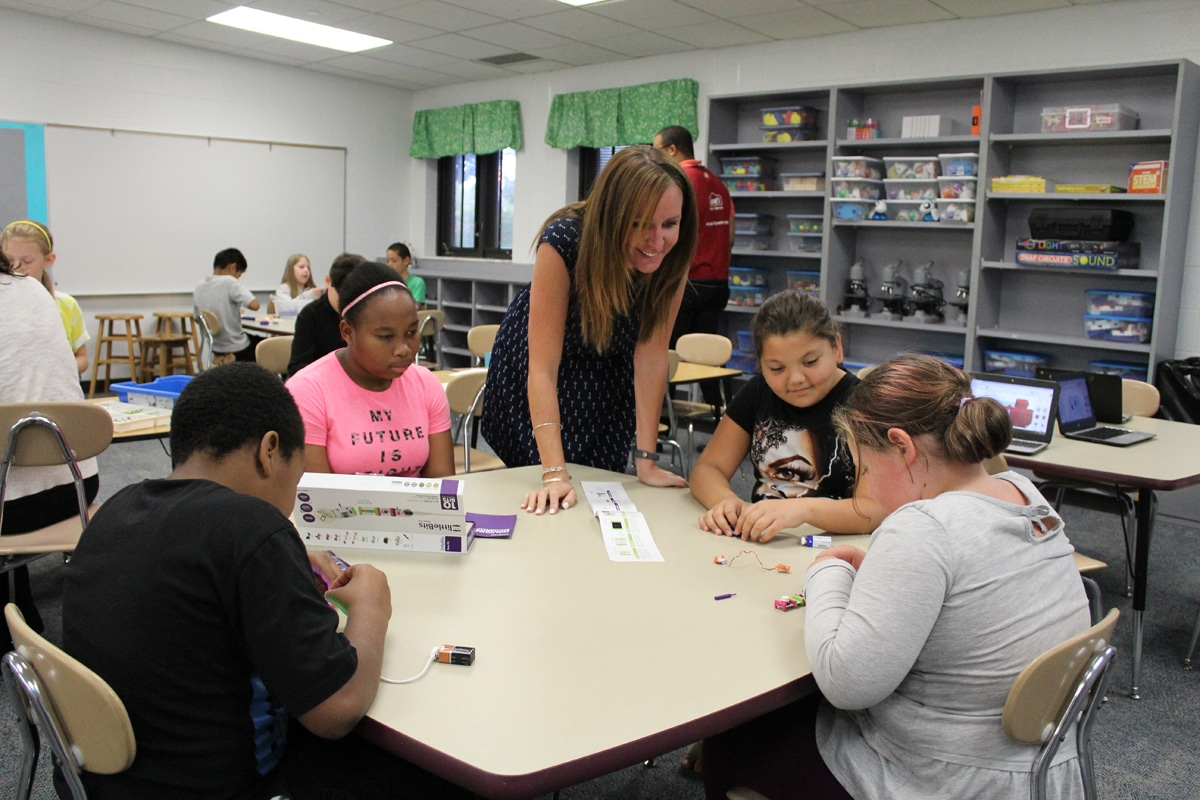 Flint Lake Elementary Unveils New Makerspace