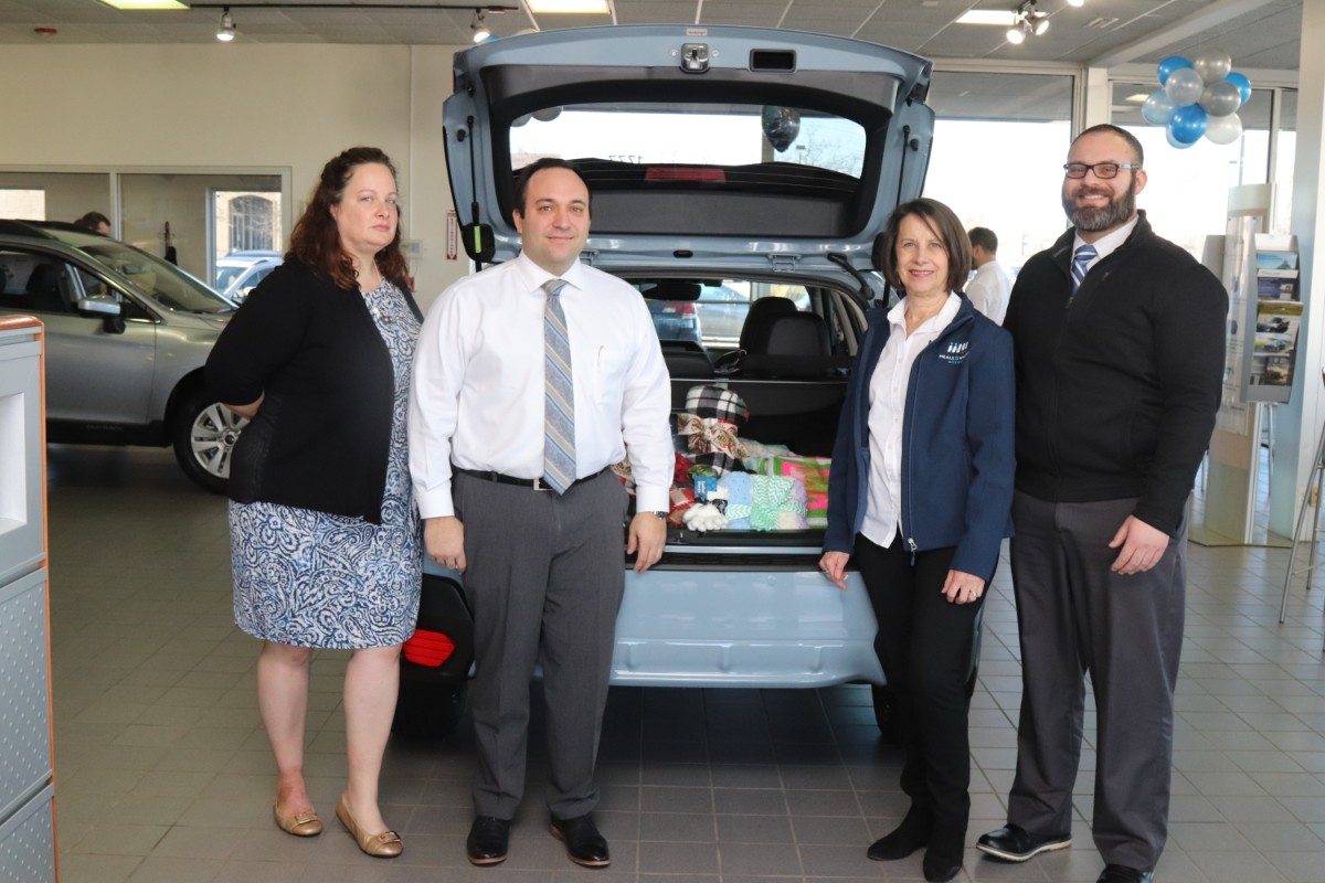 Meals on Wheels of Northwest Indiana and International Subaru of Merrillville Share the Love at Fill the Trunk Event