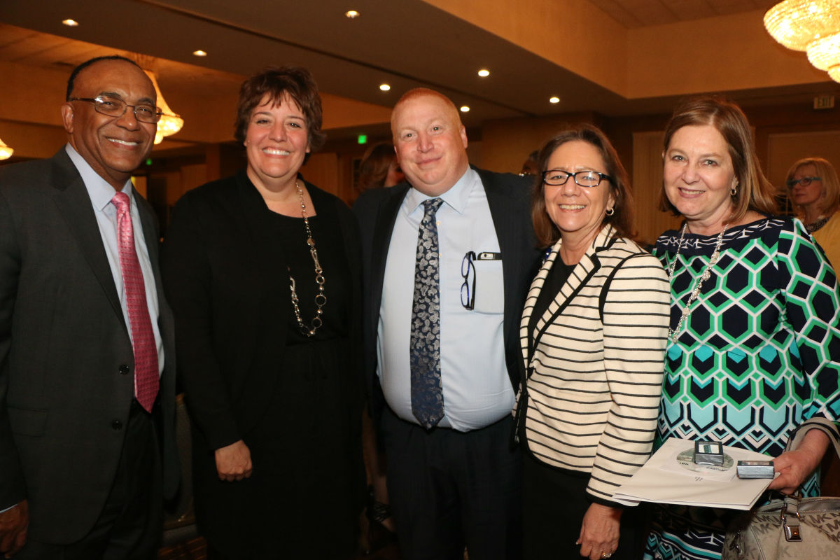 Methodist Hospitals Honors Employees with 2017 Service Awards Banquet