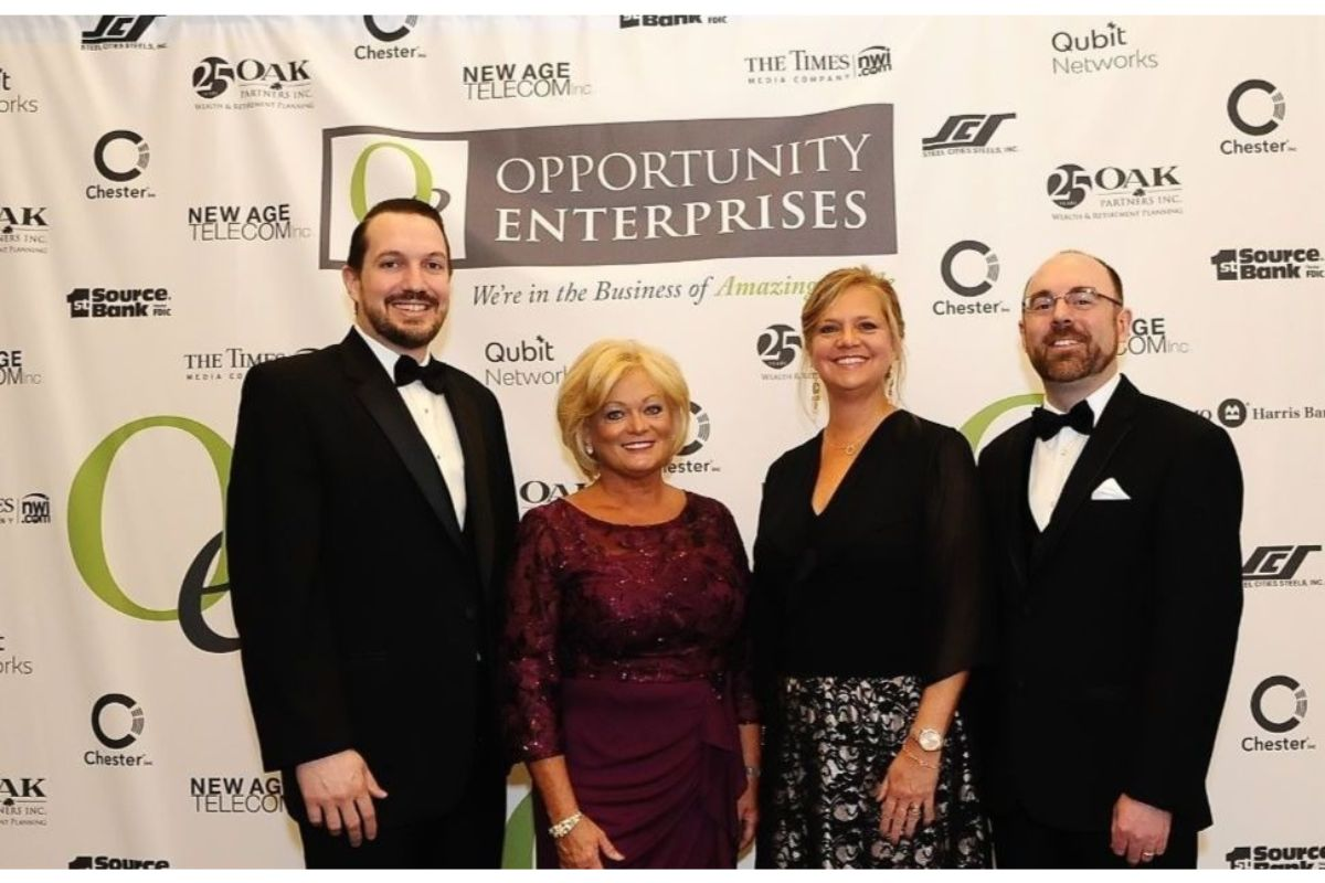 Delta Theta Tau and Opportunity Enterprises return to Stardust Ballroom for 27th annual Gala, illuminating opportunities