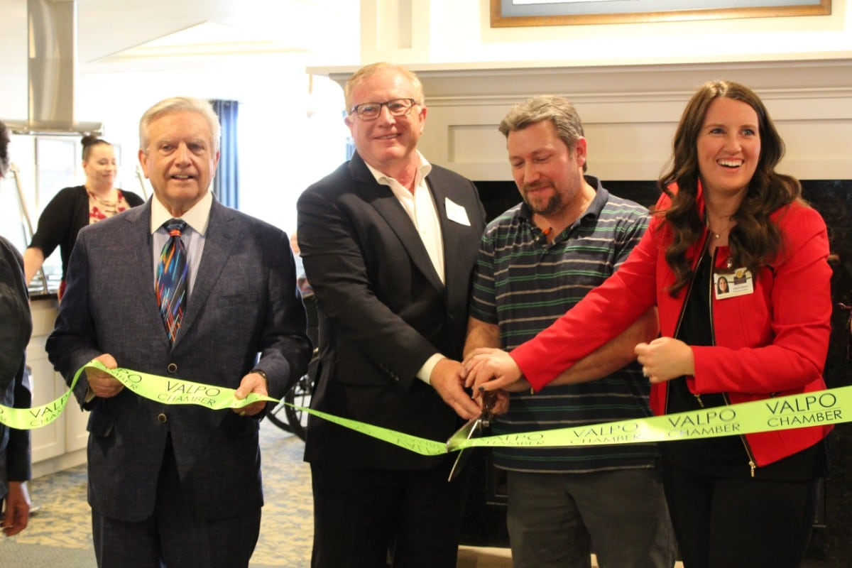 Residences at Coffee Creek welcome residents and community to celebrate the new facility at ribbon cutting ceremony