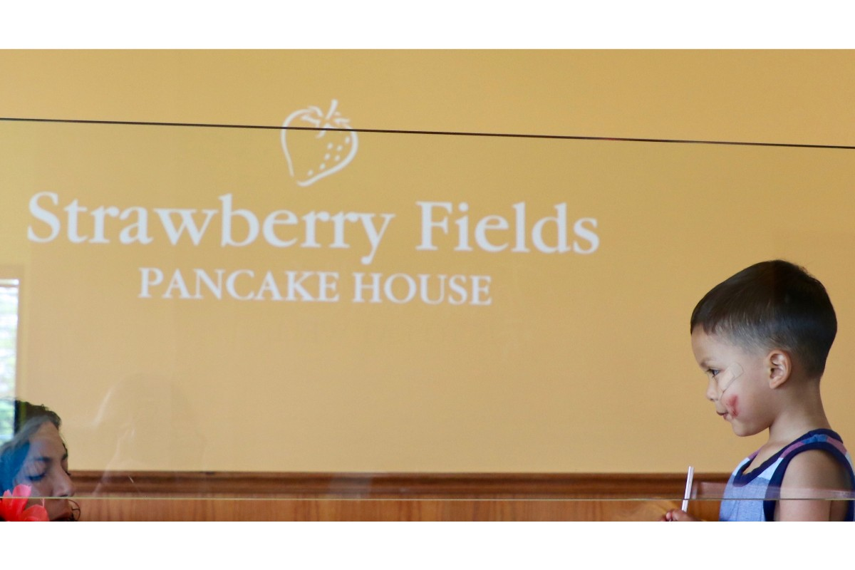 Strawberry Fields Serves Meals with a Side of Hospitality