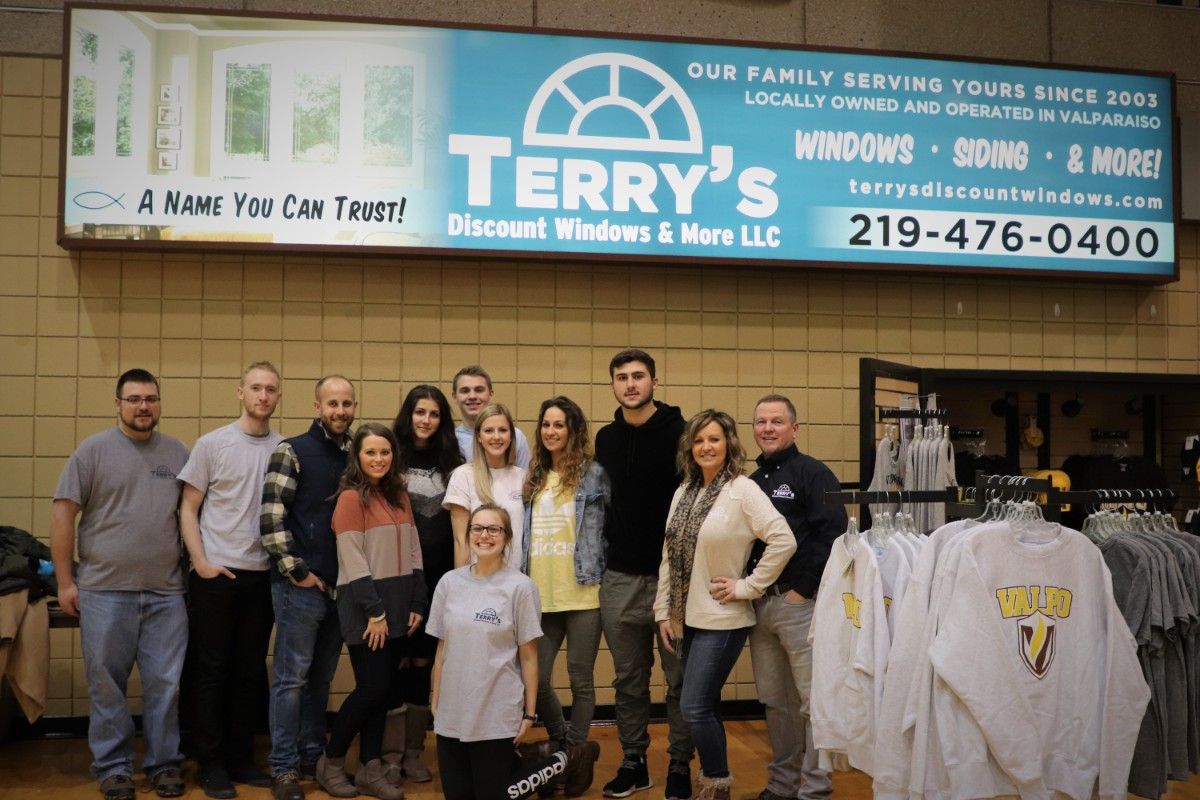 Terry's Discount Windows Shows Its Support of Valparaiso University Athletics at Men's Basketball Game