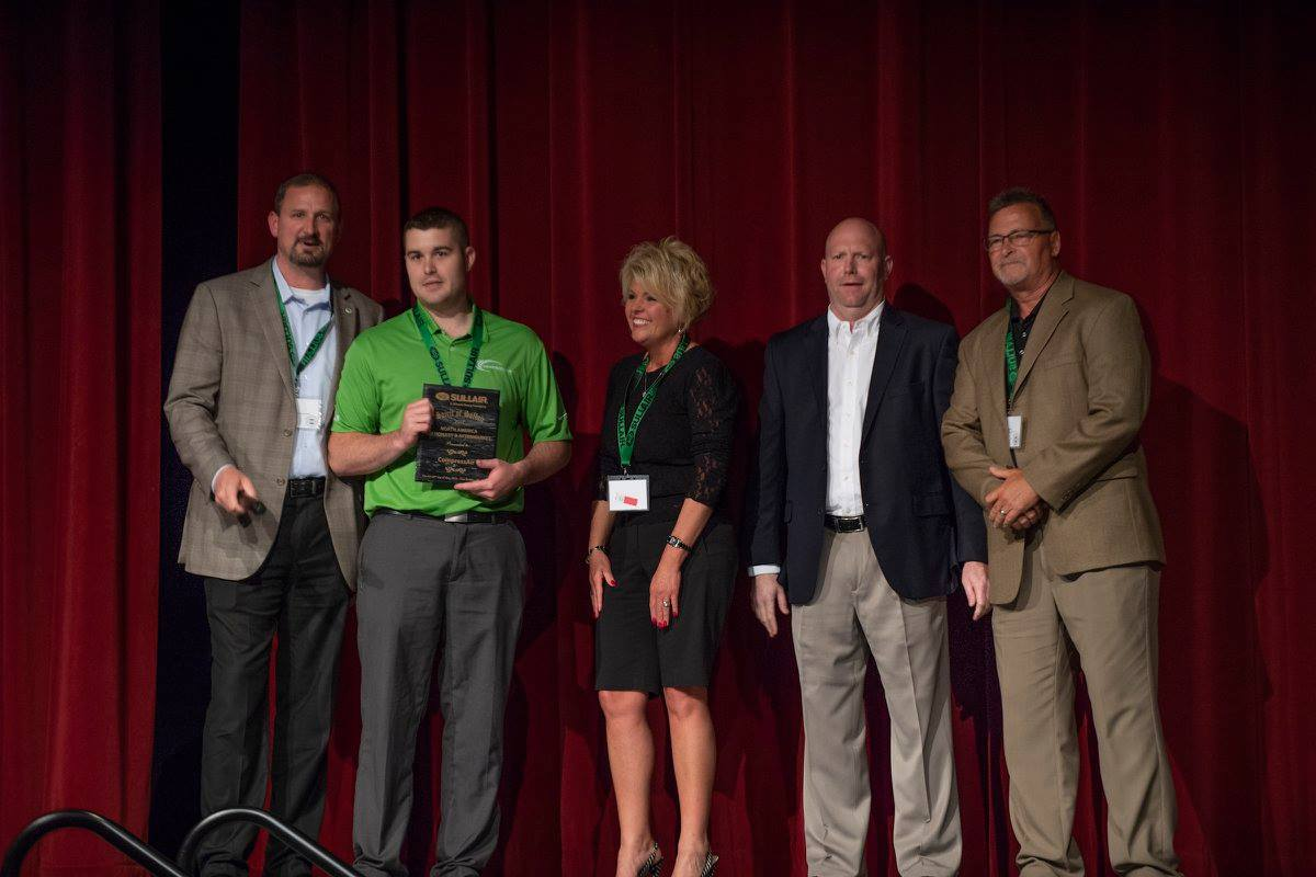 CompressAir Earns Glowing Reviews and Spirit of Sullair Award